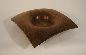 Walnut Bowl showed 	in Muskegon Regional Show