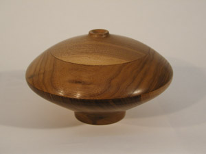 Closed Walnut 	Vessel